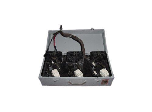 Tablero 25 Kw. c/3 llave de corte punta 3p+1n c/Terminal